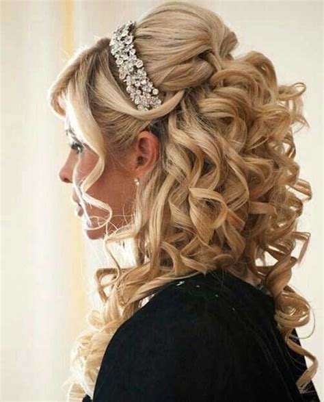 Best Wedding Hairstyles For Curly Hair by 25 Best Hairstyles For Weddings Hairstyles