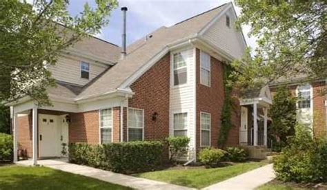 one bedroom apartments in schaumburg il village green of schaumburg hadley run ln schaumburg