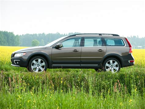 volvo station wagon 2015 2015 volvo xc70 price photos reviews features