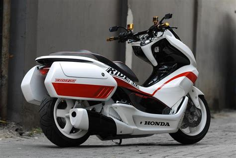 Pcx 2018 Accessories by 2018 Honda Pcx150 Scooter Ride Review Specs Mpg