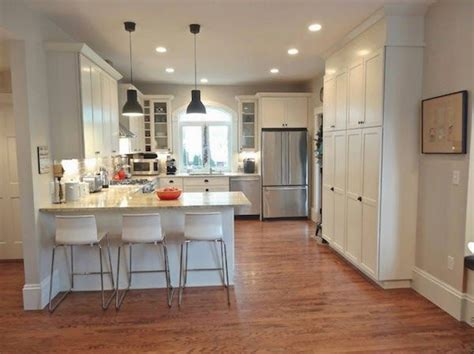 peninsula kitchen cabinets 20 best ideas about kitchen peninsula on pinterest