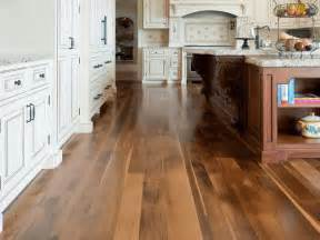 Laminate Kitchen Flooring 20 Gorgeous Exles Of Wood Laminate Flooring For Your Kitchen