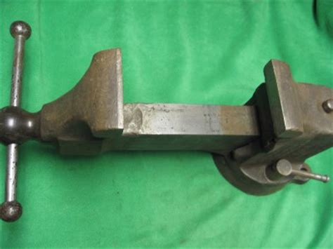 reed bench vise early reed no 204 vintage heavy duty swivel bench vise