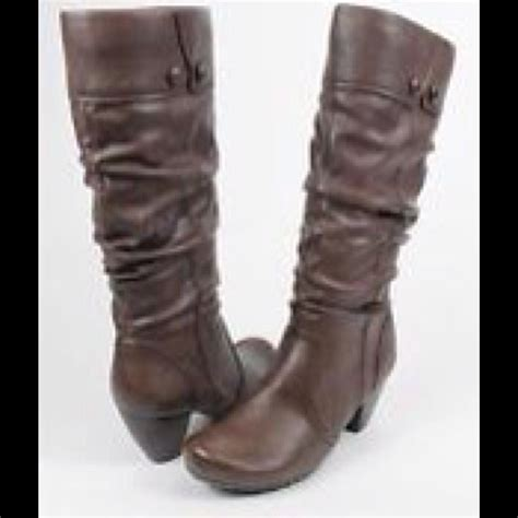 beartrap boots 66 boots negotiable slouchy brown boots by