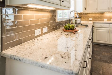Colonial Granite With White Cabinets by Colonial White Granite White Cabinets Backsplash Ideas