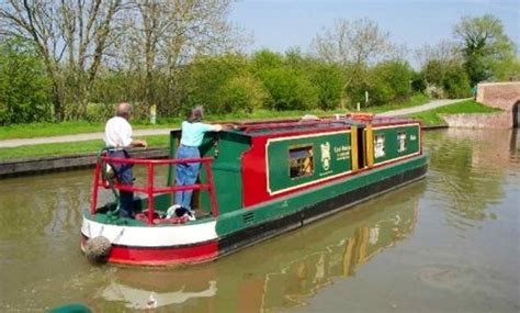 devizes canal boat hire boat rentals in devizes