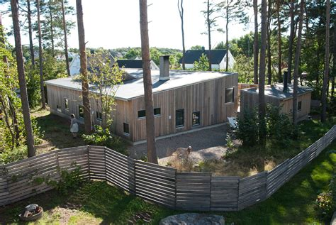 compound house the house in the thicket a small family compound