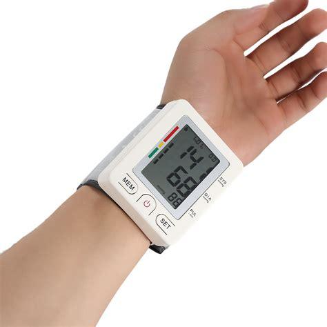 Sphygmomanometer Wrist Blood Pressure Monitor Tekanan Darah Digital health care wrist blood pressure monitor bluetooth 4 0 lcd digital blood pressure meter