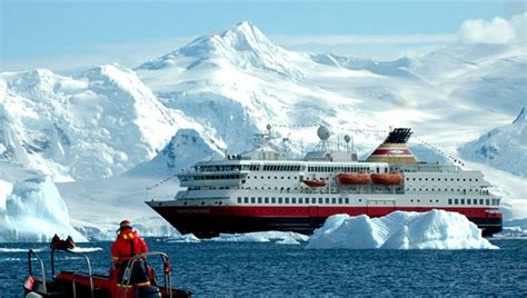 boat trip to antarctica antarctica gets hot for another reason tourists