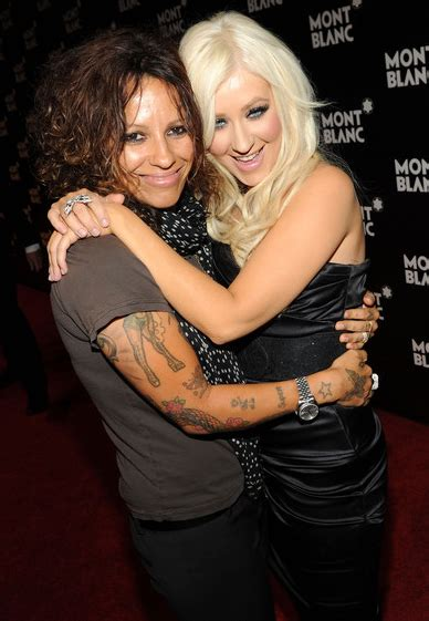 linda perry everyone has someone linda perry starts pink s party defends christina