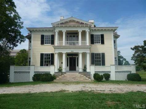 Plantation Style House by Pin By Lynn Hudock On Southern Plantation Homes Pinterest