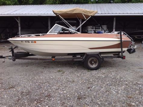 glastron runabout boat 1977 glastron ssv 177 17ft ski boat runabout for sale