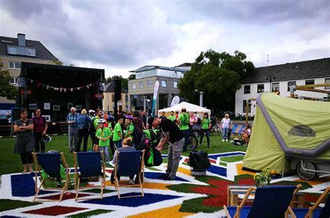 teppiche trier deutschland tour und flying grass carpet in trier zu gast