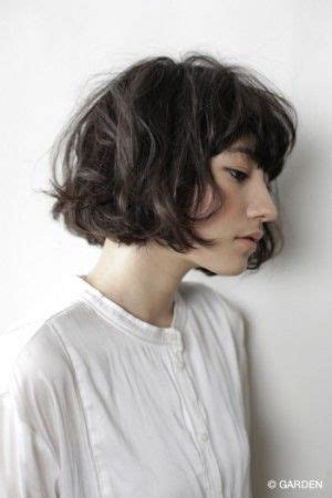 bob with heavy fringe wavy bob heavy fringe hair beauty pinterest wavy