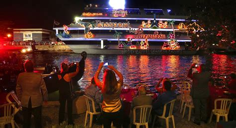 fort lauderdale boat show parade winterfest boat parade celebrates 45th year