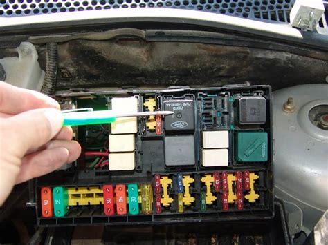 ford focus fan fuse sparky s answers 2003 ford focus runs fans