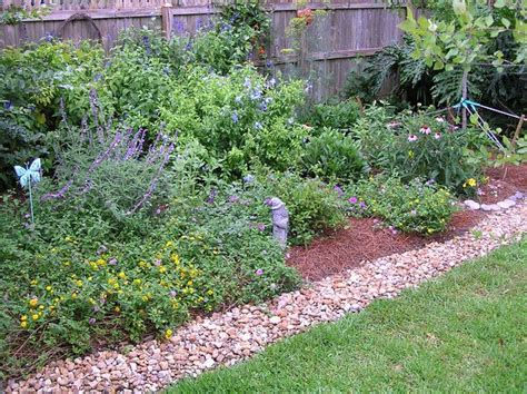 cottage garden edging home garden ideas pinterest