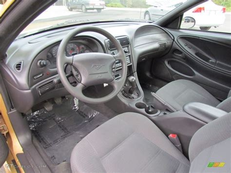 2000 Mustang Interior Colors by Medium Graphite Interior 2000 Ford Mustang V6 Coupe Photo