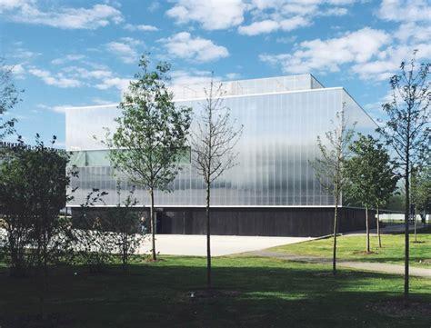 omas garage museum  contemporary art opens