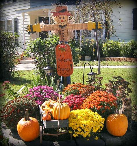 when can you decorate for fall 25 best ideas about mums and pumpkins on fall