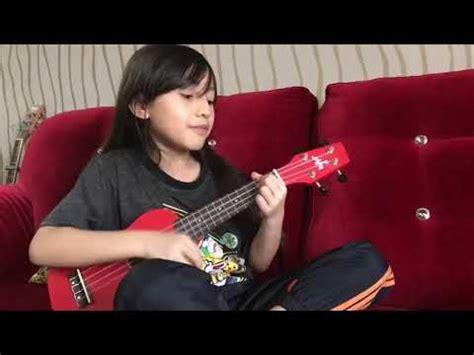 baby shark ukulele baby shark ukulele cover by alyssa dezek youtube