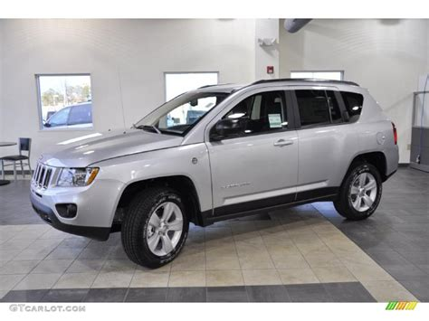 silver jeep compass 2011 bright silver metallic jeep compass 2 4 latitude 4x4