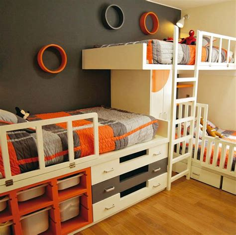 Bunk Beds For 3 Children 16 Clever Ways To Fit Three In One Bedroom