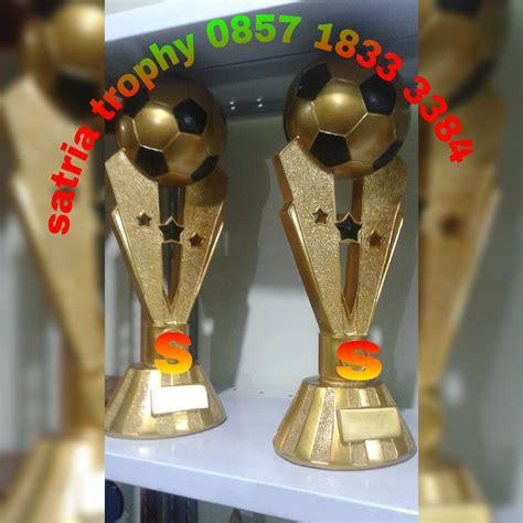 Plakat Satu Hari Jadi by Piala Bola Pusat Tempat Pembuatan Dan Penjualan Plakat
