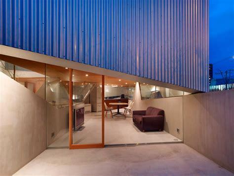 house  saka    outer walls japanese