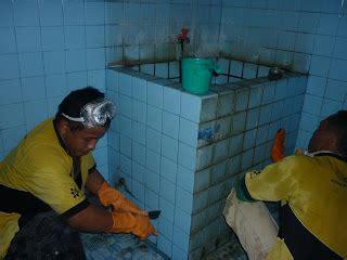 Pembersih Kamar Mandi Vixal jasa cleaning service kamar mandi di jawa timur 081 333 456 890 jual pembersih porselen