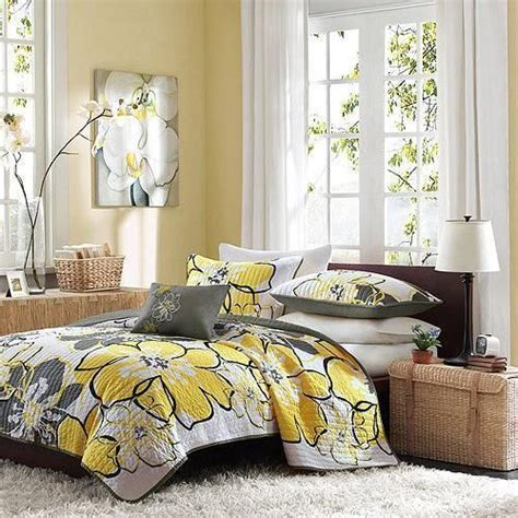 yellow floral bedding full queen black white grey yellow modern floral 4pc quilt