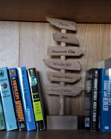 be right back bookend 27 incredibly clever diys all true book lovers will appreciate
