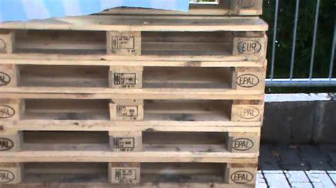 möbel aus europaletten bett wandregal wei 223 mit k 246 rben