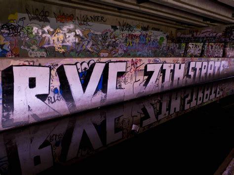 picture  graffiti graveyard  duluth mn