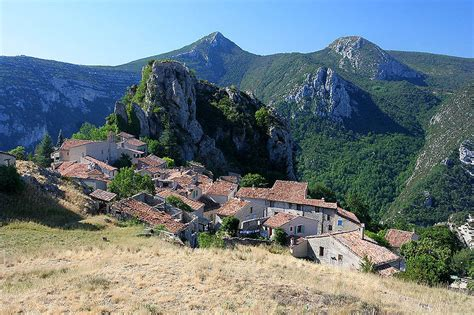 file bonnieux provence france 6052999896 jpg file rougon alpes de haute provence france jpg wikimedia
