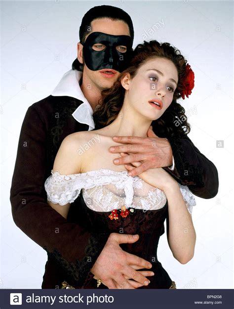 emmy rossum the phantom of the opera gerard butler emmy rossum the phantom of the opera 2004