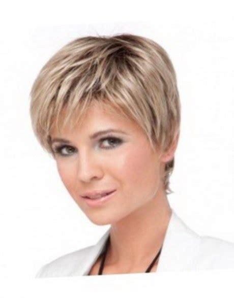 Coiffure courte moderne femme   https://tendances coiffure