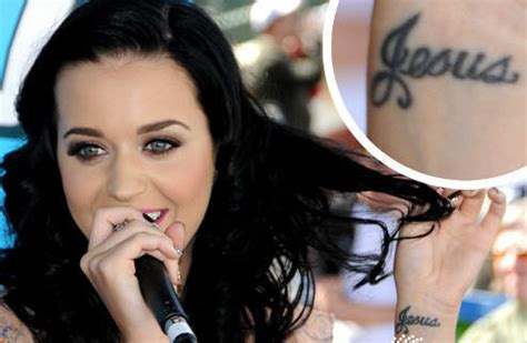 katy perry heart tattoo katy perry celebrity with sexy wrist tattoos tattoomagz