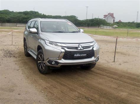 Mobil All New Pajero Sport all new mitsubishi pajero sport goyang ancol review