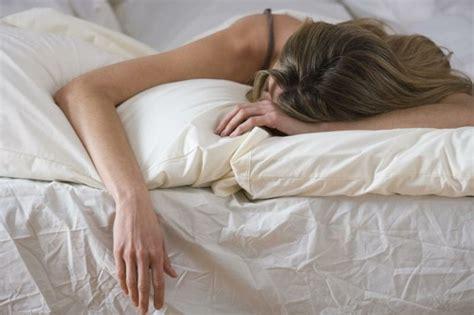 richtig schlafen gesund schlafen welche schlafpositionen sind passend und