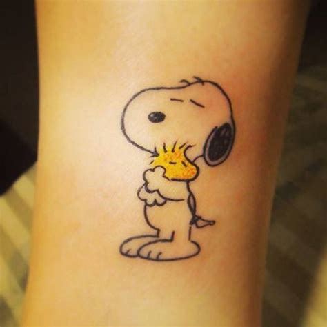 peanut tattoo designs 25 best ideas about snoopy on snoopy