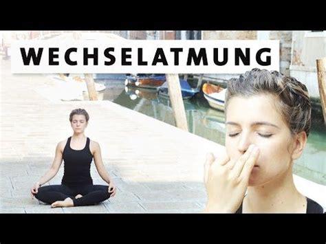yoga tutorial anfänger die besten 17 ideen zu yoga f 252 r anf 228 nger auf pinterest