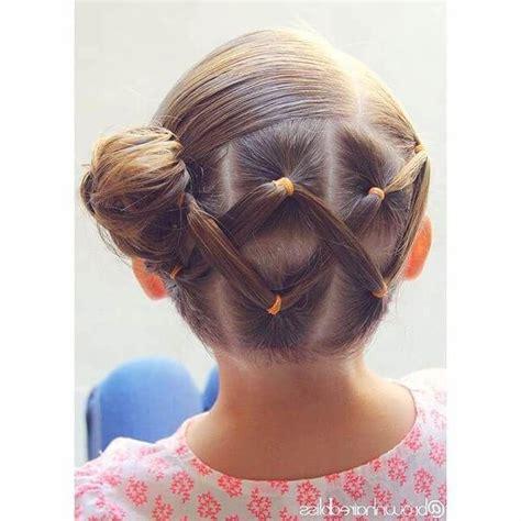 peinados de ninas para flower girls las 25 mejores ideas sobre peinados para clausura en