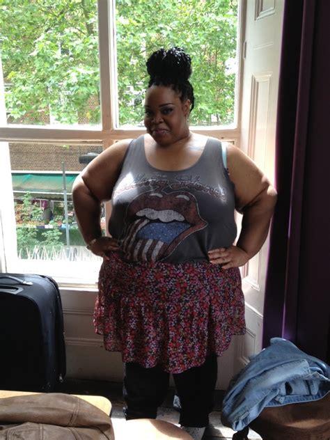 my friend cayla setup skirt pics