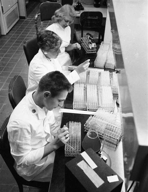 Early Detection of the 1957 Flu Pandemic Helped Slow Its