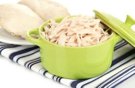 chicken breast cooked nutrition facts calories