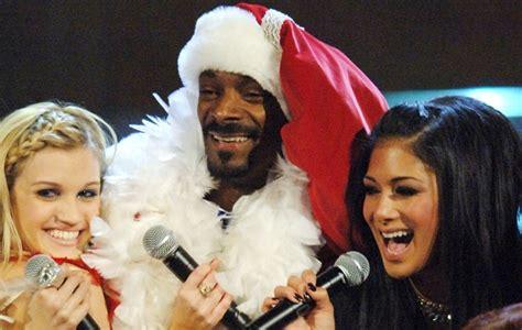 Snoop Is No Pussycat by Cinemanix Confira Celebridades Internacionais Looks
