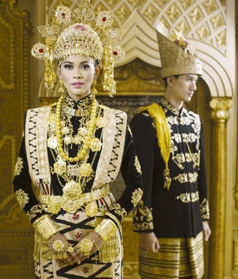 Tentang Baju Adat Aceh pakaian adat aceh pria wanita dan anak anak deskripsi lengkap