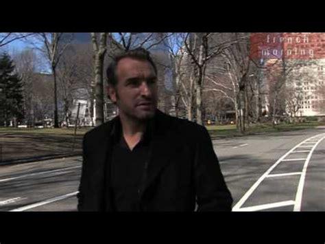 film jean dujardin youtube corner interview with jean dujardin youtube