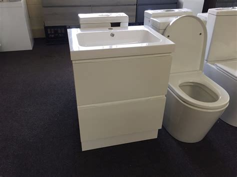Slimline Bathroom Vanities Ivori Slimline 900mm High Gloss White Polyurethane Narrow Vanity 400mm Depth Homegear